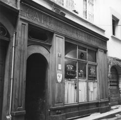 [Café des Fédérations, rue du Major-Martin]