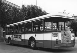 [Autobus SC 10 PF équipé d'une plateforme arrière]