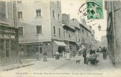 Lyon : Grande rue de la Guillotière ; Angle de la Rue Creuzet.