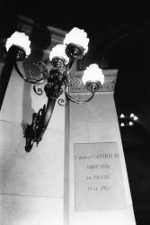 [Théâtre des Célestins de Lyon. Plaque à la mémoire de Charles Gantillon]
