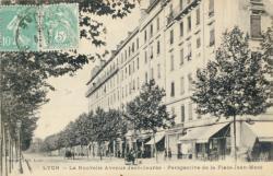 Lyon : La Nouvelle avenue Jean-Jaurès ; Perspective de la Place Jean-Macé.