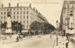 Lyon : Perspective de l'Avenue Berthelot.