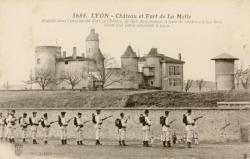 Lyon : Château et Fort de la Motte ; Englobé dans l'enceinte du Fort, ce Château de style Renaissance, a servi de résidence à nos Rois avant leur entrée solennelle à Lyon.