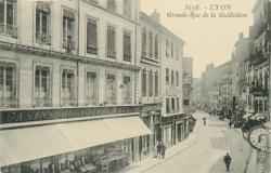 Lyon : Grande-Rue de la Guillotière.