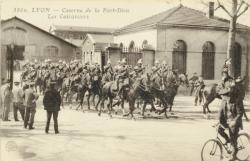 Lyon :  Caserne de la Part-Dieu ; Les Cuirassiers.