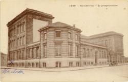 Lyon : Rue Chevreul ; Le groupe scolaire.