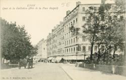 Lyon : Quai de la Guillotière (Pris de la Place Raspail).