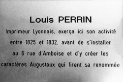 [Plaque commémorative à Louis Perrin (1799-1865)]
