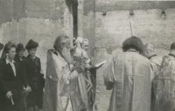 [Pose de la première pierre de l'Eglise Saint-Nicolas par le père Pouchkine]