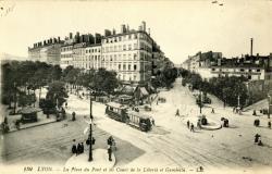 Lyon : La Place du Pont et les Cours de la Liberté et Gambetta.