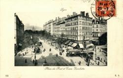 Lyon : Place du Pont et Cours Gambetta.