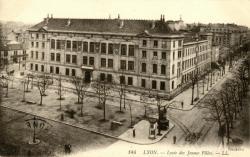 Lyon : Lycée des Jeunes Filles.