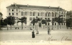 Lyon :  Le Lycée de Jeunes Filles ; Place Edgar Quinet.