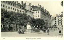 Lyon : La Place Tolozan.