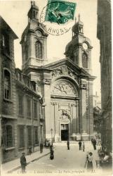 Lyon : L'Hôtel-Dieu ; La Porte principale.