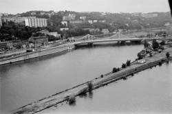 [Lyon vu du ciel. Vue aérienne, juin 1984]