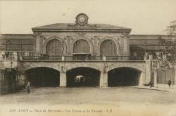 Lyon : Gare de Perrache ; Les Voûtes et la Façade.