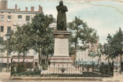 Lyon : La Statue de Jacquard.