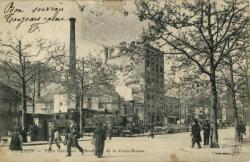 Lyon : Train traversant le Boulevard de la Croix-Rousse.