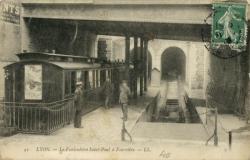 Lyon : Le Funiculaire Saint-Paul à Fourvière.