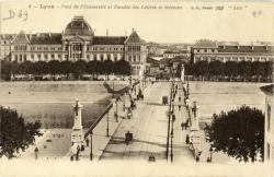 Lyon : Pont de l'Université et Faculté des Lettres et Sciences.