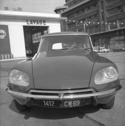 [Citroën DS 21]
