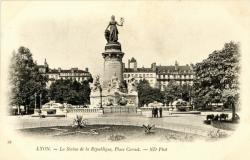 Lyon : La Statue de la République ; Place Carnot.