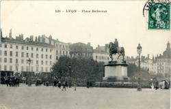 Lyon : Place Bellecour.