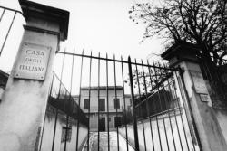 [Maison des Italiens, 82 rue du Dauphiné]