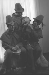 """""""Les Damoiseaux"""", groupe folklorique lyonnais"""