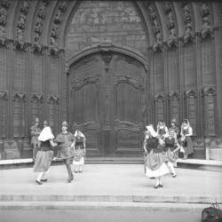 """Les Damoiseaux"""", groupe folklorique de Lyon"""