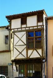 [Saint-Symphorien-sur-Coise, place de la Bouterie]