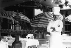 [Restaurant Larivoire (Bernard Constantin, gérant)]
