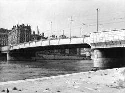 [Pont La Feuillée]