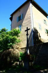 Croix, rue du lavoir, Genay