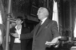 [François Léotard en visite à Lyon]