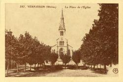 Vernaison (Rhône) : La Place de l'Eglise.