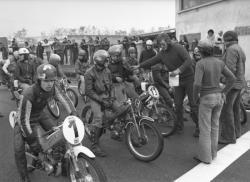 Course de motos dans la région