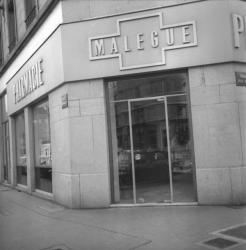 "Pharmacie lyonnaise ""Malegue"""
