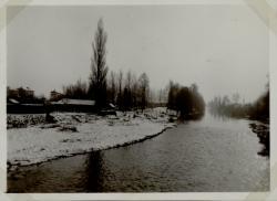[Rivière, paysage d'hiver]