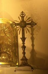 Croix reliquaire du 18e, église Saint-Roch, Grézieu-la-Varenne