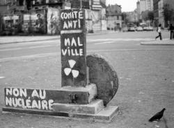 """[Manifestation du comité """"anti-Malville"""" de Villeurbanne]"""