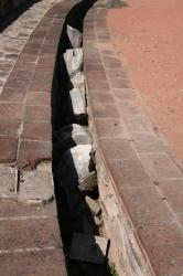 Blocs architecturaux dans le canal