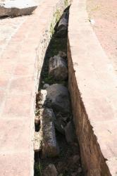 Canal et blocs architectruraux