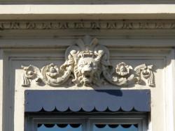 [13, rue Duquesne]