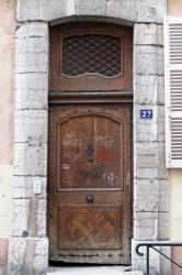 [27, rue Sainte-Hélène]