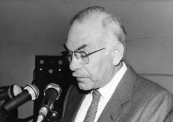 [Jean Capiévic, maire de Vaulx-en-Velin]