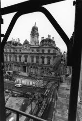 [L'hôtel de ville de Lyon depuis le Palais Saint-Pierre]