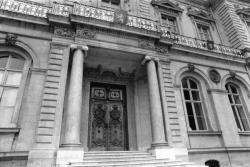 [L'hôtel de ville de Lyon (entrée place des Terreaux)]