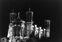 [Basilique Notre-Dame de Fourvière (de nuit)]